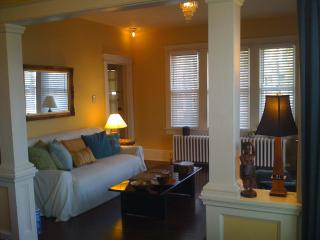 Nature, Art, Hip Hudson Valley River Town 70mi NYC - Monroe vacation rentals