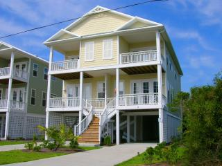 Beautiful 4 BR Ocean View Home in Carolina Beach! - Carolina Beach vacation rentals