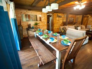 Arbor Breeze Lodge-sleeps 24 (no futons!) - Sulphur vacation rentals