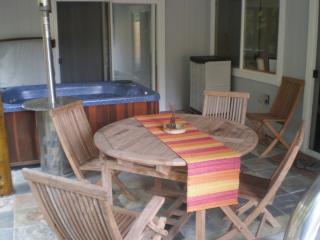 Aloha Ohia Hale- with Private Hot tub! - Volcano vacation rentals