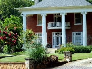 Casa Bella - Newnan vacation rentals