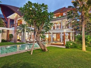 Mary's Beach Villa - 3 / 4 Bedroom Villa in Canggu - Canggu vacation rentals