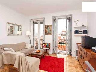 Duplex 2bedroom apartment -Center of Lisboa for 5 - Lisbon vacation rentals