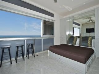 Rockaway 2 - Oceanfront Modern 2BR Luxury - Mission Beach vacation rentals