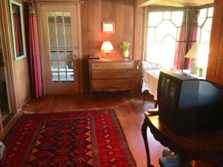 Hillside House San Anselmo ..sep. ent.  pvt kit/ba - Larkspur vacation rentals