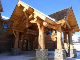 Yellowstone Park LODGE rock fireplace - Montana vacation rentals