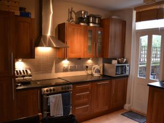 London Bed and Breakfast in Bonnington Square - London vacation rentals