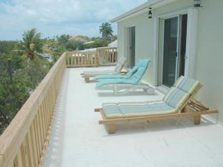 Ocean View, Great boat access,Short Walk to Beach, - Little Torch Key vacation rentals