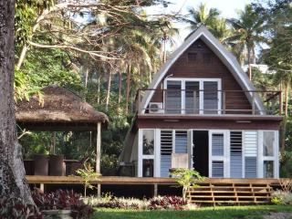 Villa CHELLE Luxury 4 Bed 2 Baths POOL Waterfront - Port Vila vacation rentals