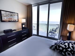 3 BEDROOM OCEANFRONT @ DOUBLETREE OCEAN POINT - Miami Beach vacation rentals