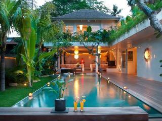 Umah Pesisi - 3 Bedroom Pool Villa in Canggu - Canggu vacation rentals