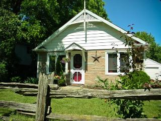 A Doll House Cottage in Old Town - Niagara-on-the-Lake vacation rentals