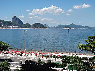 Ocean view 2 BR with Wi-Fi - Copacabana at Posto 6 - Rio de Janeiro vacation rentals
