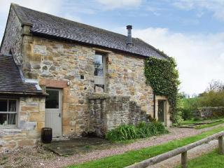 THE OLD DAIRY, open fire, country location, walking from doorstep, in Hulme End, Ref 15320 - Staffordshire vacation rentals