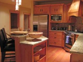 Fully Equipped Gourmet Kitchen - Listing #392177 - Pet Friendly Grand Lodges - Heated Pool & Hot Tub! - Government Camp - rentals
