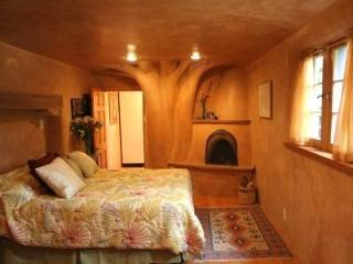 Elegant Adobe Casita- Walk to Plaza, Art District! - Santa Fe vacation rentals
