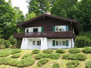 High Hillside Mittersill Village Chalet - 4 BR, 2 BA, Sleeps up to 8 - Franconia vacation rentals