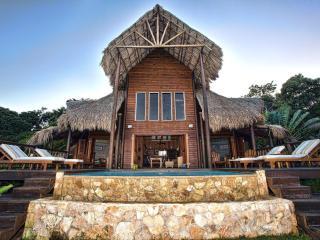 Brisa Del Mar: Balinese Style Oceanfront Villa - Roatan vacation rentals