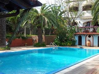 Villa Itaca, villa with private pool and garden - Taormina vacation rentals