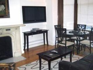 Two Bedroom Bi-Level, 1.5 Bath Apartment Back Bay - Image 1 - Boston - rentals