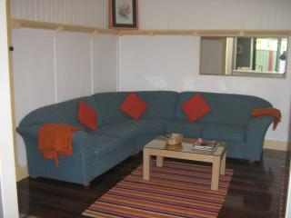 4 bedroom close to shops & 4 km to Brisbane city - Brisbane vacation rentals