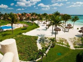 Gorgeous Beach Penthouse Villa Del Mar C Building! - Puerto Aventuras vacation rentals