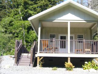 The Golden Eagle Cottages: 3 ADA - North Coast vacation rentals