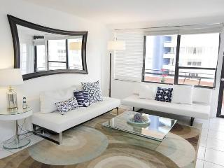 Beautifully remodeled 2 bed/2 bath - Suite 1007 - Miami Beach vacation rentals
