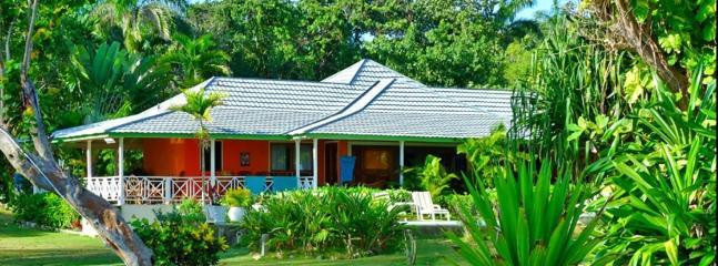 PARADISE PVB - 434688 - TRAVELLERS CHOICE 8 BED BEACHFRONT VILLA - OCHO RIOS - Image 1 - Ocho Rios - rentals