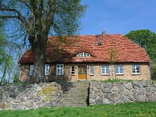 Vacation Apartment in Weitendorf - 1066 sqft, warm, quiet location (# 2722) - Parchim vacation rentals