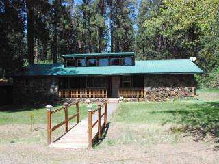 Tecumseh Spring Rentals -The RockHouse - Crater Lake vacation rentals