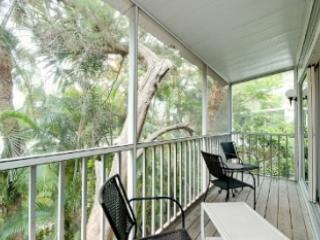 Relaxing Screened Porch - Casa di Rose-6250 Holmes Blvd - Holmes Beach - rentals
