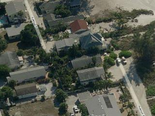 Just steps away from the beach - Sea Palm Cottage-3008 Avenue E - Holmes Beach - rentals