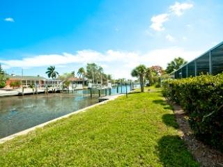 On a canal - 506 Key Royale Drive - Holmes Beach - rentals