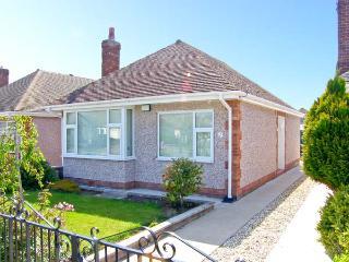 SEA HAVEN, single storey, close to beach and amenities, conservatory, garden, in Prestatyn Ref 15127 - Denbighshire vacation rentals