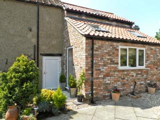ANNEXE, romantic retreat, village centre in Thirsk, Ref 16137 - Thirsk vacation rentals