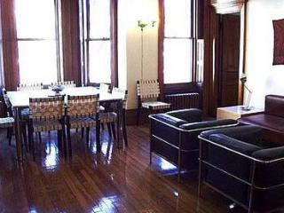 3 br luxury apartment,  historic landmark district - New York City vacation rentals