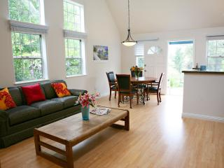 Gorgeous, private, guest house in Vista, Ca - Fallbrook vacation rentals