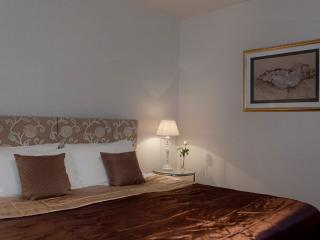The Causewayside Apartment @ The Southside - Edinburgh vacation rentals