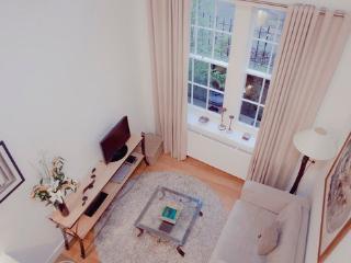 The Studio @ Drumsheugh Gardens - Edinburgh vacation rentals