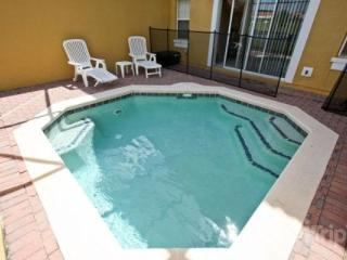 Charming Encantada Condo with a Gym, Pool and Jacuzzi - Kissimmee vacation rentals