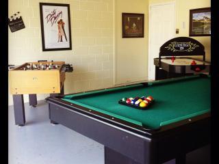 5BR Luxury Pool Home-SouthFacing,GameRoom,WiFi,etc - Kissimmee vacation rentals