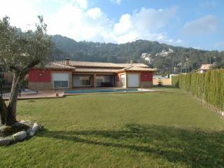 4 bedroom individual villa stunning mountain views - Alzira vacation rentals