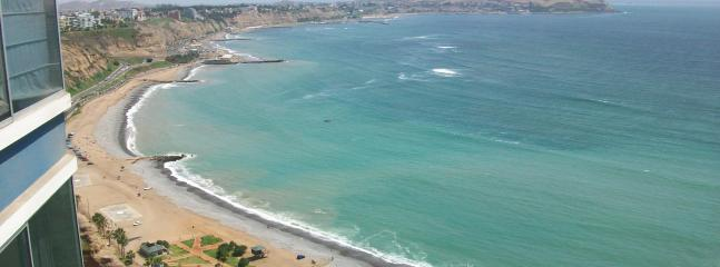 View from condo - Luxury Ocean View Condo a Block from Larcomar - Lima - rentals