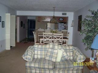 2 Bedroom Condo in Myrtle Beach Sleeps 6 Free WiFi - Myrtle Beach vacation rentals