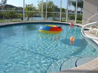 Beautiful Villa Nightfall - relax and have fun ! - Cape Coral vacation rentals
