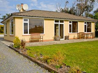 TEACH NA GREINE, single storey, fabulous sea and mountain views, open fire, pet friendly cottage in Ballinskelligs, Ref 16001 - County Kerry vacation rentals