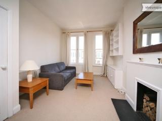 Nevern Road, 1 bed apartment, Kensington - London vacation rentals