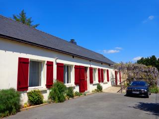 Ty Louisette. Luxury canalside Gite in Brittany. - Rohan vacation rentals