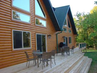 Hollywoods Resort Log Retreat - Ottertail vacation rentals